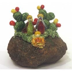Presepe in pietra lavica con due piante di fico d'india